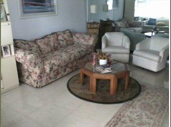 Beautiful 2 bedroom condo in Century Village Boca 55+