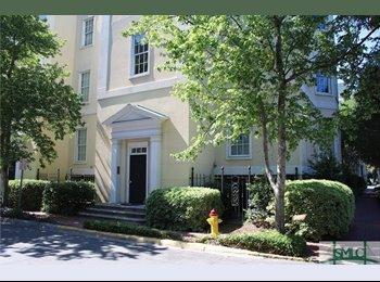 EasyRoommate US - Beautiful condo in historic district! , Savannah - $950 /mo