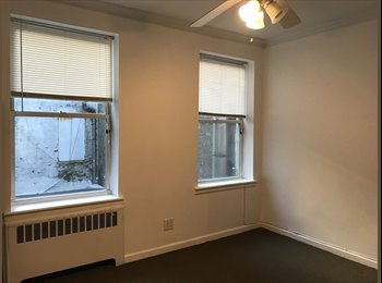 1400 Sunny Bedroom in Chinatown/lil Italy 1400 (Chinatown /...