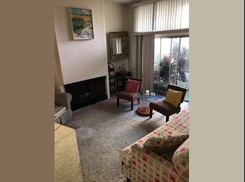 EasyRoommate US - GORGEOUS Townhouse has 2 rooms available ! FREE utilities., Del Rey - $1,600 /mo