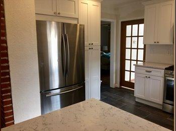 EasyRoommate US - Room Available in Highlands / Berkeley, Berkeley - $900 /mo