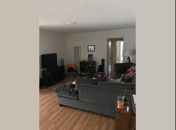 Westside: Master bedroom w/ private bath in large 2 bed/2...