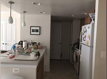 Private room/bath in 3 bedroom apartment in Ballston, VA!
