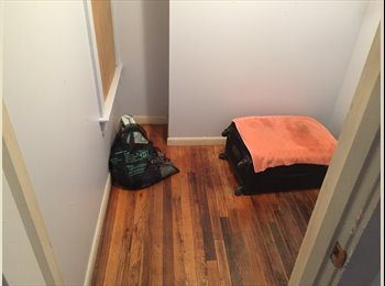 Living room/ Sharing room available for 1 person no lease...