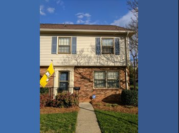 South CLT - Easy going housemate