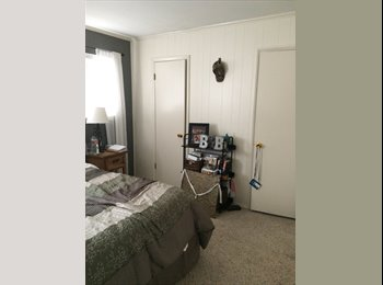 EasyRoommate US - Private room and bath, South Hills - $600 /mo