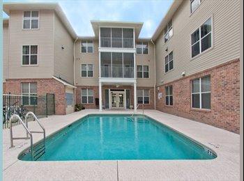 EasyRoommate US - SEEKING ROOMMATE - WINDSOR HALL, Gainesville - $300 /mo
