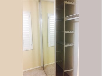 Room for rent in Tustin