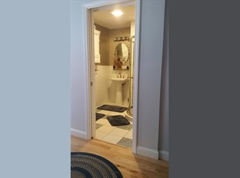 Private bedroom/bath in newly renovated home - 20 minutes...