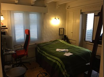 EasyRoommate US - Private Room in Beautiful Large Home (Bev Hills / Miracle Mile), Carthay Circle - $850 /mo