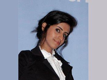 Sara - 24 - Student