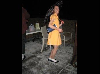 Rebecca - 32 - Student