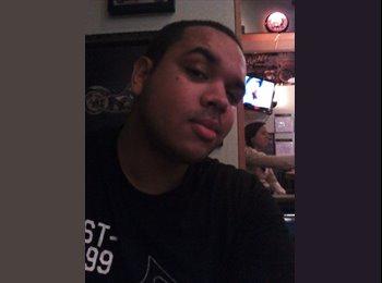 EasyRoommate US - Nick - 28 - Anaheim