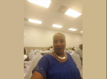 EasyRoommate US - Danielle  - 48 - Gibbsboro