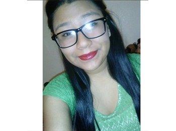 Melissa - 20 - Student