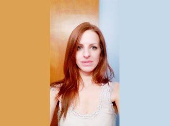 EasyRoommate US - Danielle - 29 - Lawrence