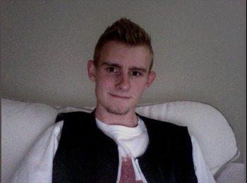 Joel - 19 - Student