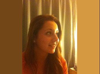 EasyRoommate US - Danielle - 18 - San Diego