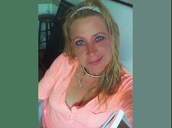 EasyRoommate US - Heidi - 45 - Jacksonville