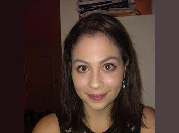 Jessica - 21 - Professional