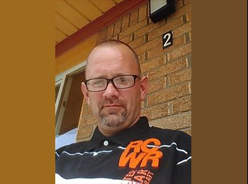 EasyRoommate US - Richard - 36 - Detroit Area