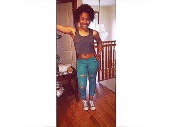 Alyssa - 19 - Student