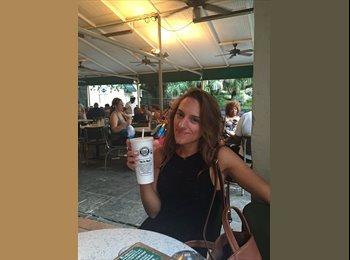 EasyRoommate US - Nicole  - 24 - New Orleans