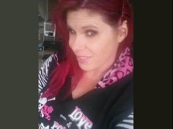 EasyRoommate US - Christine - 35 - Southeast California