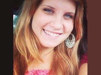 Paige - 22 - Professional