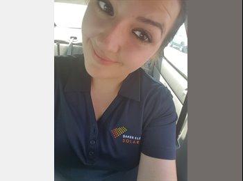 Samantha - 19 - Professional