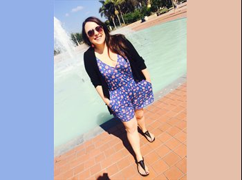 Rebeca  - 22 - Student