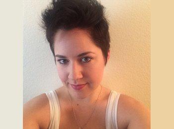 Lauren - 26 - Professional