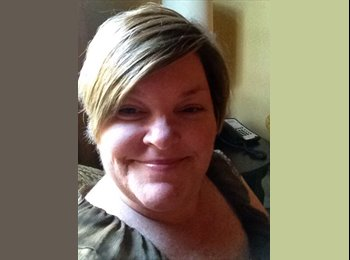 EasyRoommate US - Julie  - 51 - Gainesville