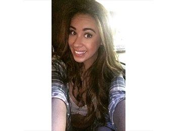 Danielle - 19 - Student