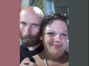 EasyRoommate US - Monique and richard - 33 - Corpus Christi