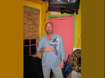 EasyRoommate US - Clint - 54 - Miami