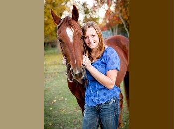 EasyRoommate US - Cassie Fritch - 19 - Bryan