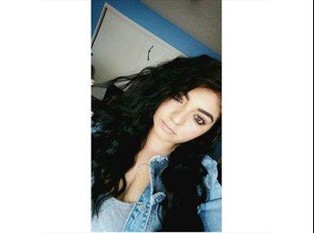 EasyRoommate US - Jessica - 20 - Southeast California