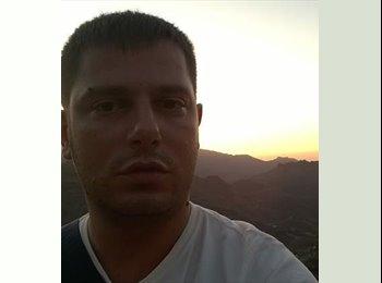 EasyRoommate US - Federico - 34 - Southeast California
