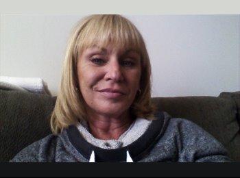 EasyRoommate US - Linda - 49 - Other-Illinois