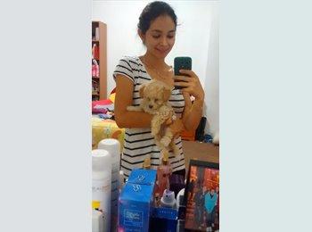 Esperanza Lomeli - 21 - Student