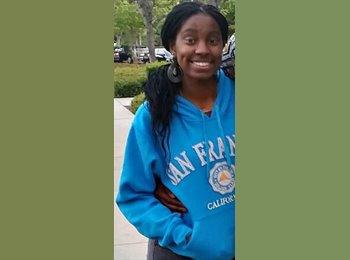 Cianna Sharp - 19 - Student