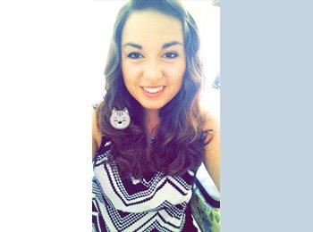 Courtney - 19 - Student