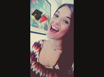 Luisana - 21 - Student