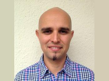 Henry Valecillos - 35 - Professional