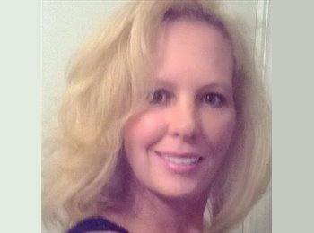 Michelle - 45 - Professional
