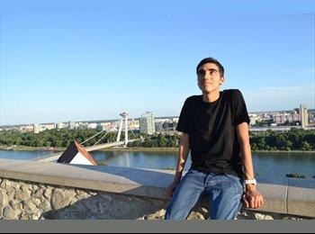 Nicolas Aram Petenian - 21 - Student