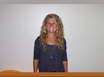 EasyRoommate US - Madison Phillips - 19 - Maui