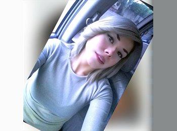 EasyRoommate US - Selene Rodríguez  - 24 - Anaheim