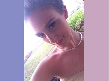 EasyRoommate US - Jessica - 21 - Miami